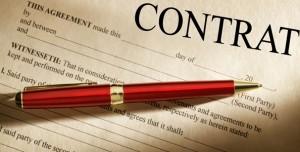 stylo posé sur un contrat de mariage (separation des biens)