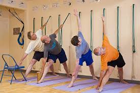 Exercice de Iyengar Yoga (cours collectif)