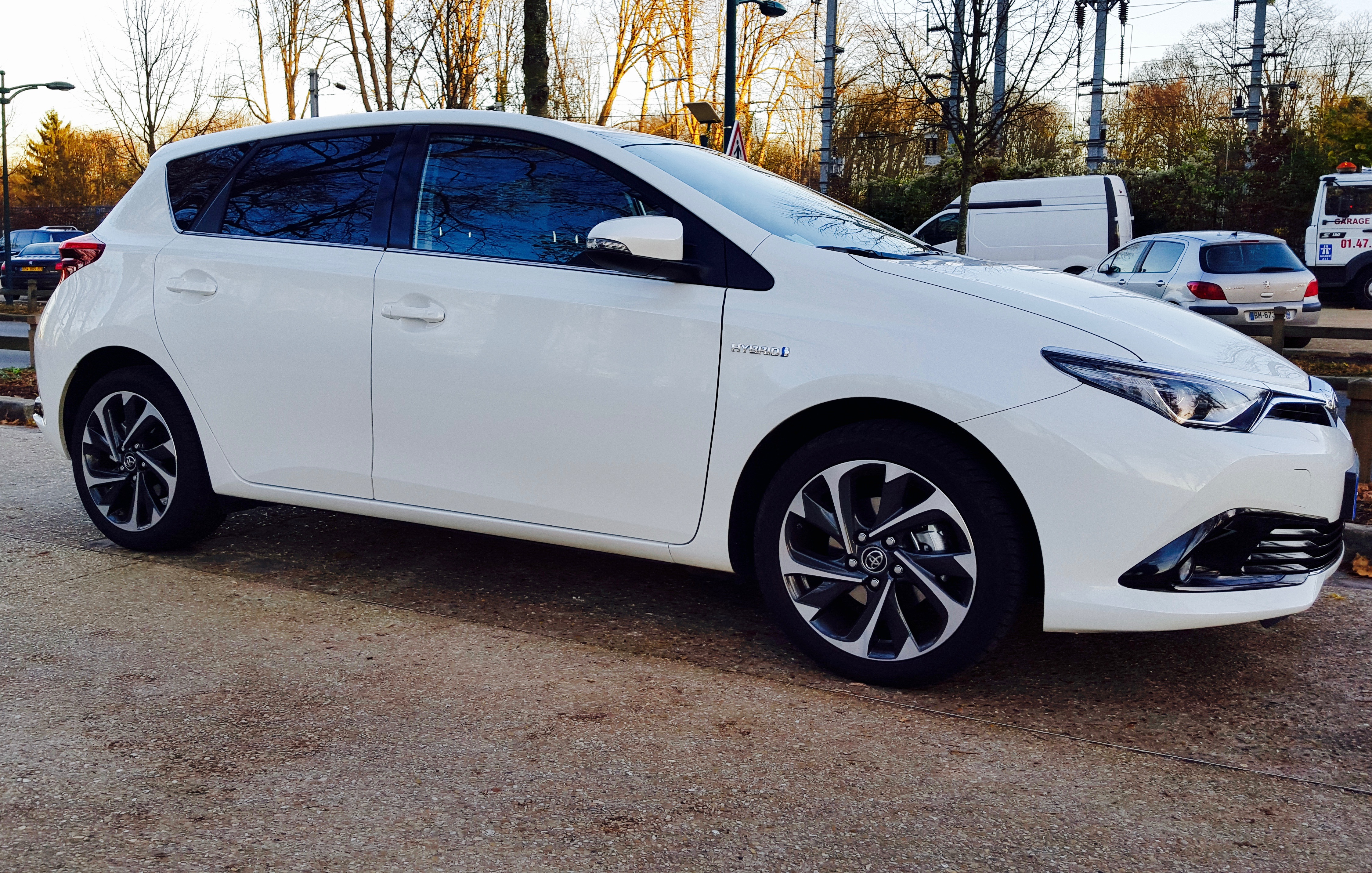 toyota auris hybride test sur route photos et vid o. Black Bedroom Furniture Sets. Home Design Ideas