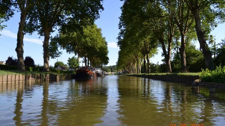 Tourisme fluvial sur les canaux de France