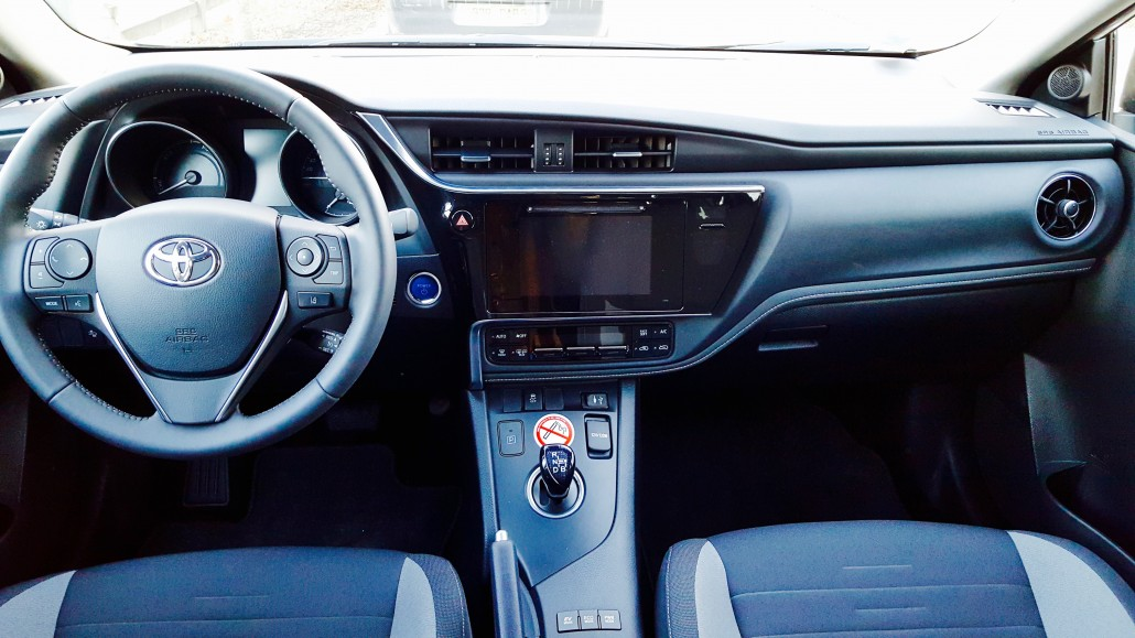 Tableau de bord Toyota Auris Hybryd moteur electrique