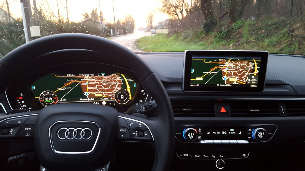 "Le tableau de bord de la nouvelle Audi A4 et son ""virtual cockpit"". © AM"