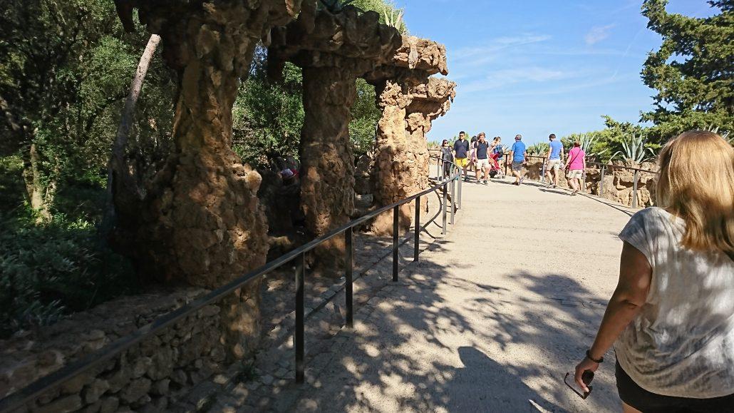Le parc Guell commandé par le comte du même nom a été réalisé par Gaudi