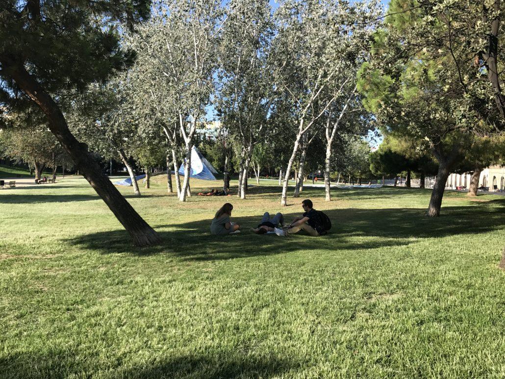 Le parc de l'Estacio Nord et les sculptures de Bervely Pepper