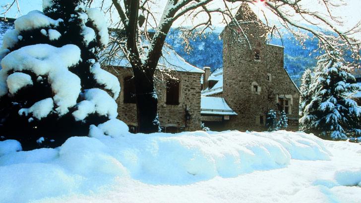 Saint Lary, station star et village authentique des Pyrénées